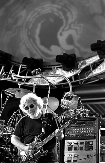 Jerry Garcia performs with the Grateful Dead at the Desert Sky Pavillion near Phoenix, Ariz., March 6, 1994.