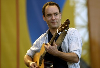Dave Matthews performs at the Polo Fields in San Francisco's Golden Gate Park September 12, 2004.