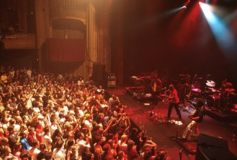 Karl Denson's Tiny Universe performs at the Warfield Theater in San Francisco, April 20, 2001.