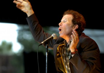Tom Waits performs during the 21st annual Bridge School Benefit at Shoreline Amphitheater in Mountain View, California October 28, 2007.