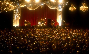 The Wallflowers perform at the Fillmore Auditorium in San Francisco March 30, 1997.