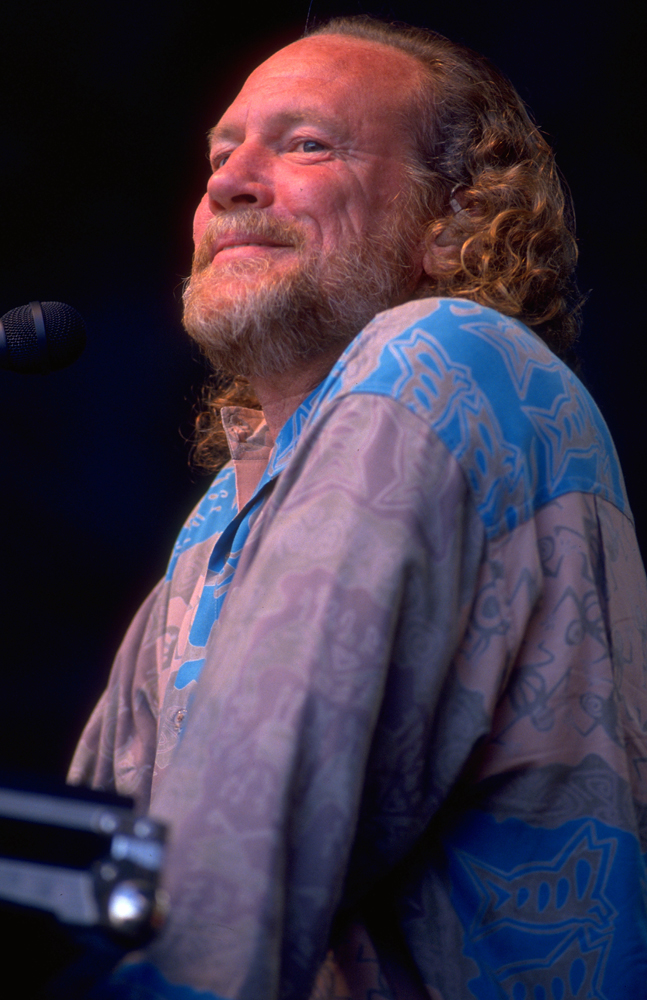 Vince Welnick with the Grateful Dead at the Seattle Memorial Coliseum, June 14, 1994. Photo by Stephen Dorian Miner