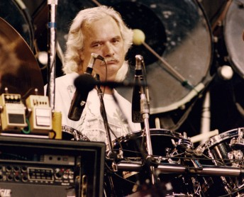 Billy Kreutzmann performs with the Grateful Dead at the Shoreline Amphitheater in Mountain View, Calif., May 23, 1992. Photo by Stephen Dorian Miner