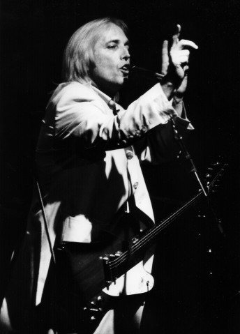 Tom Petty performs at the Fillmore Auditorium in San Francisco, March 7, 1999.